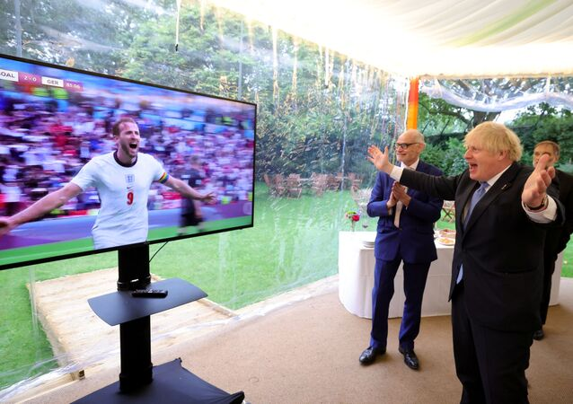 Soccer Football - Euro 2020 - Round of 16 - England v Germany - London, Britain - June 29, 2021. British Prime Minister Boris Johnson reacts. Picture taken June 29, 2021. No. 10 Downing St/Handout via REUTERS THIS IMAGE HAS BEEN SUPPLIED BY A THIRD PARTY. MANDATORY CREDIT. NO RESALES. NO ARCHIVES