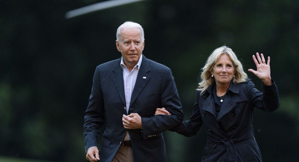 President Joe Biden and first lady Jill Biden return to the the White House in Washington, 1 July 2021, from a trip to Florida where he met with first responders and family members from the condo tower in Surfside, Florida, that collapsed last week