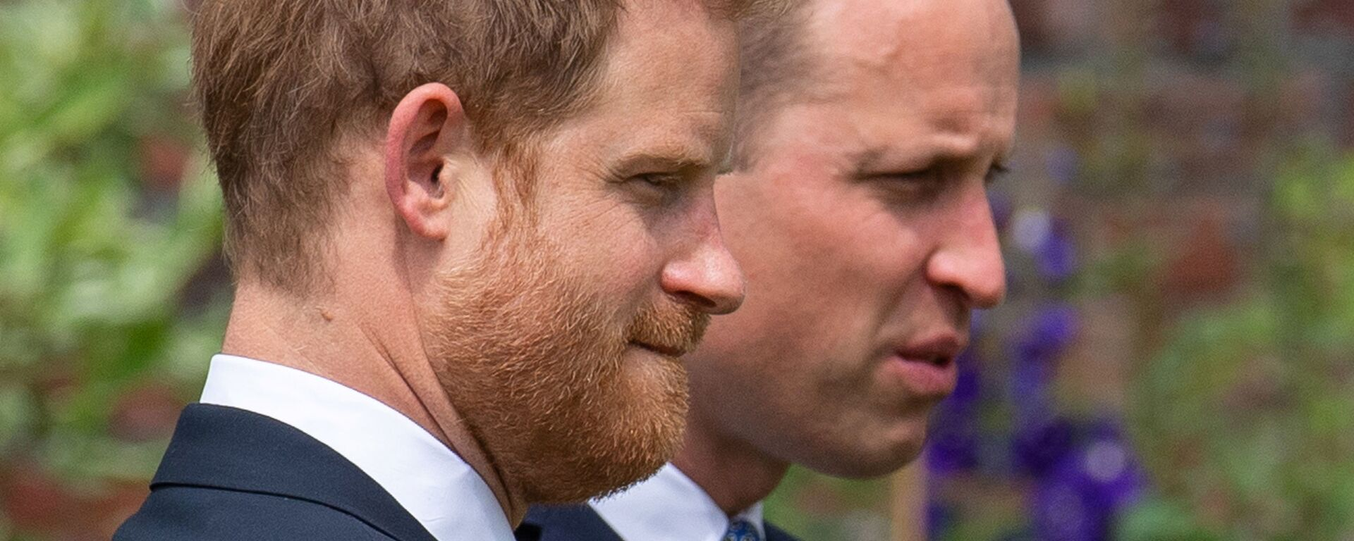 Britain's Prince William, The Duke of Cambridge, and Prince Harry, Duke of Sussex, attend the unveiling of a statue they commissioned of their mother Diana, Princess of Wales, in the Sunken Garden at Kensington Palace, London, Britain July 1, 2021 - Sputnik International, 1920, 04.07.2021