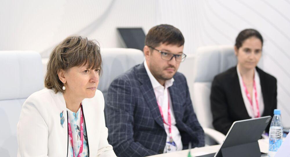 Russian Export Centre CEO Veronika Nikishina and Italian Minister of Economic Development Giancarlo Giorgetti.