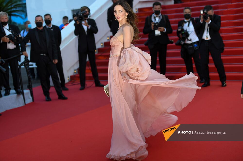 Actress Frédérique Bel dressed in Yanina Couture arrives at the red carpet for the film Everything Went Fine.