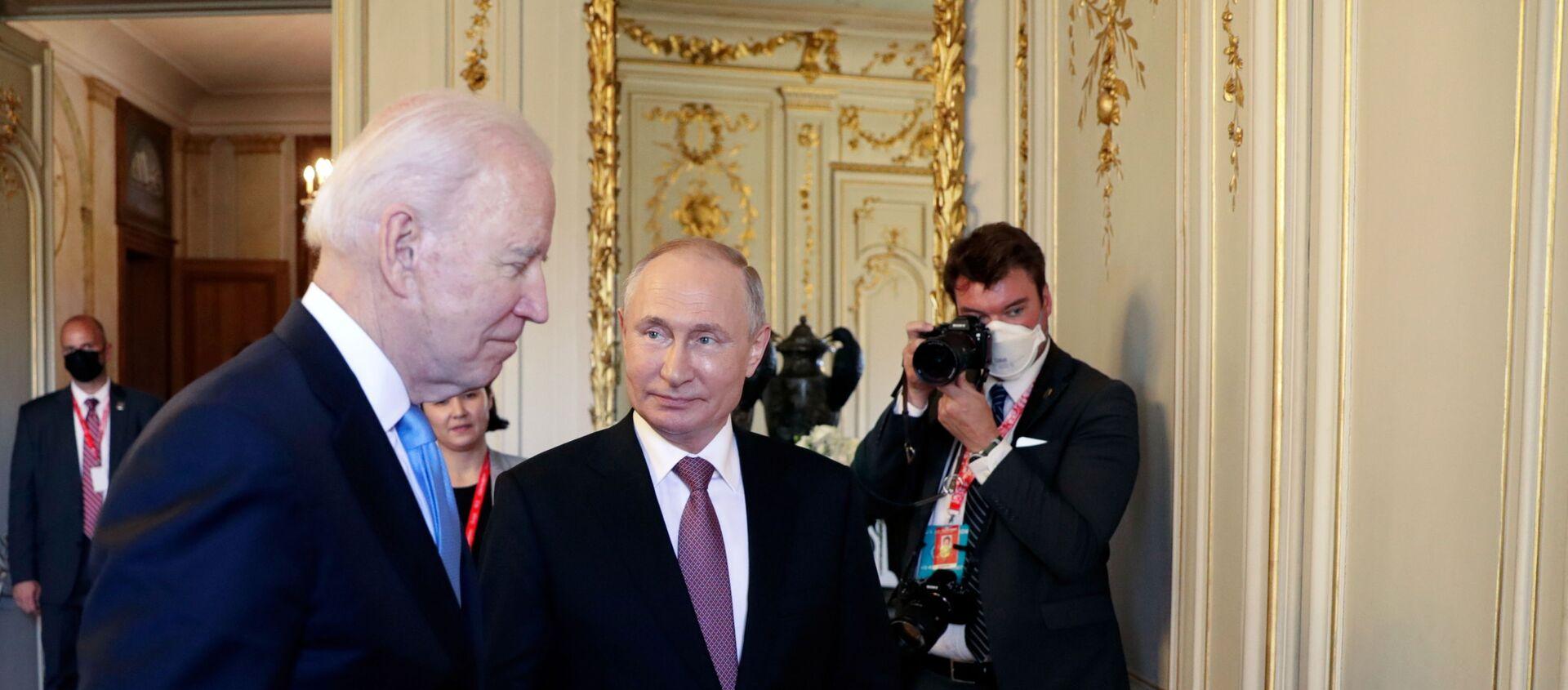 U.S. President Joe Biden and Russia's President Vladimir Putin meet for the U.S.-Russia summit at Villa La Grange in Geneva, Switzerland  - Sputnik International, 1920, 21.07.2021