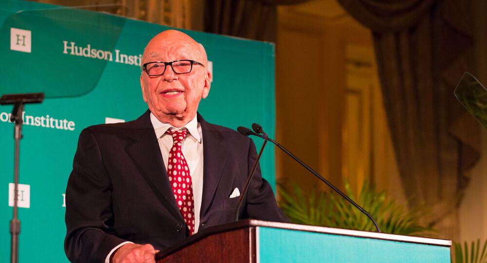 Rupert Murdoch receiving the Global Leadership Award 2015