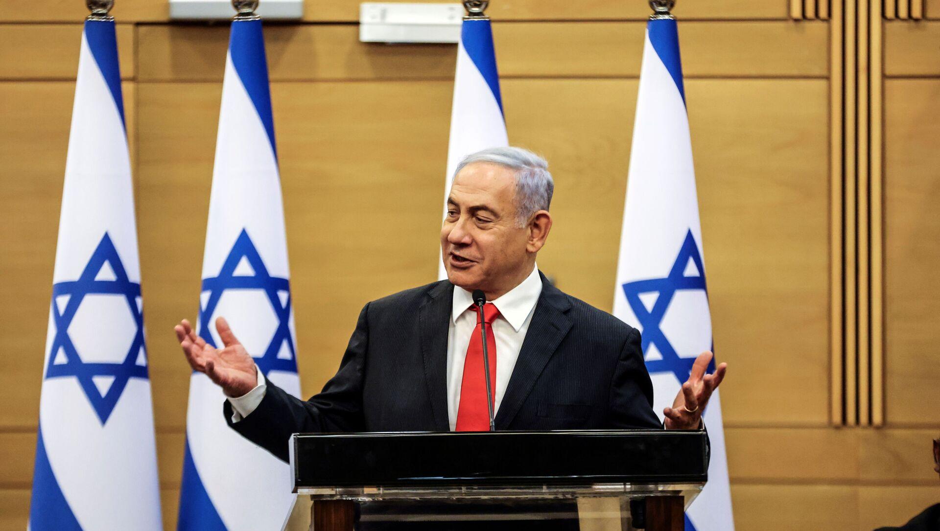 Leader of Israeli Opposition Benjamin Netanyahu speaks during a meeting with his Likud party in the Knesset, the Israeli parliament, in Jerusalem June 14, 2021.  - Sputnik International, 1920, 03.08.2021