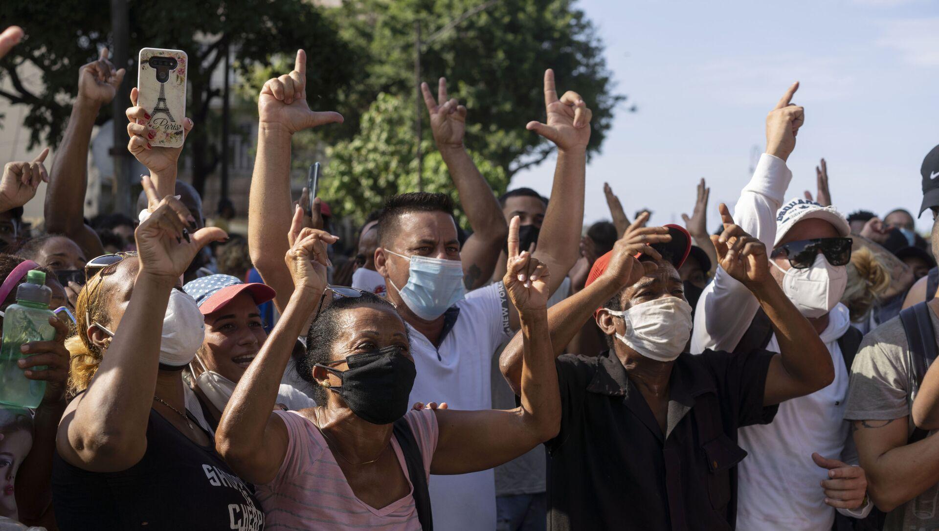 Anti-government protesters march in Havana, Cuba, Sunday, 11 July 2021 - Sputnik International, 1920, 28.07.2021