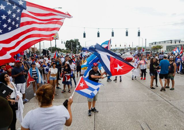 People block Dale Mabry Highway during a protest against the Cuban government, in Tampa, Florida, U.S. July 13, 2021. REUTERS/Octavio Jones