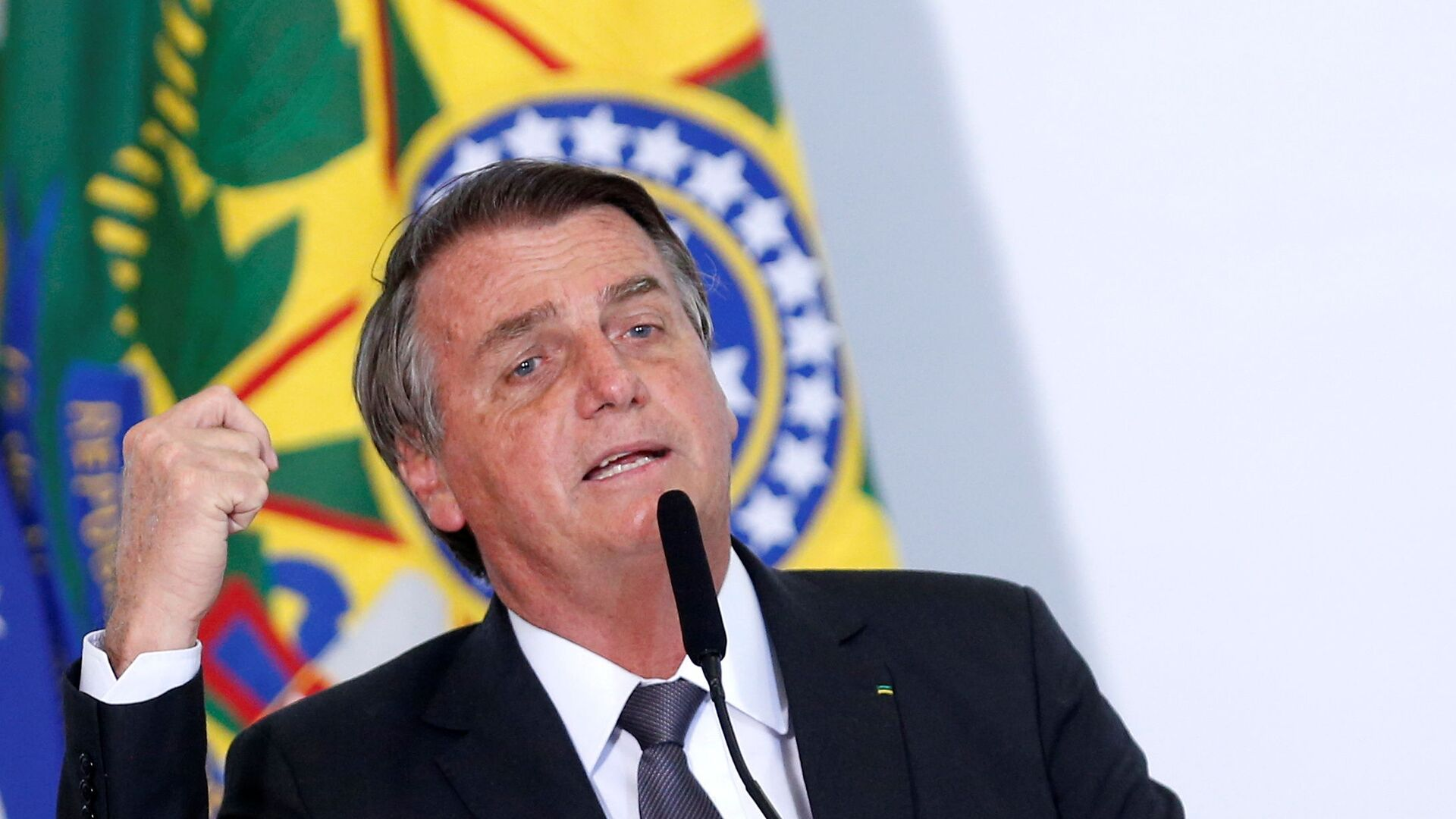 Brazil's President Jair Bolsonaro speaks during a ceremony to sign a law for the privatization of state-controlled electricity utility Eletrobras, at the Planalto Palace in Brasilia, Brazil, July 13, 2021. REUTERS/Adriano Machado - Sputnik International, 1920, 03.08.2021