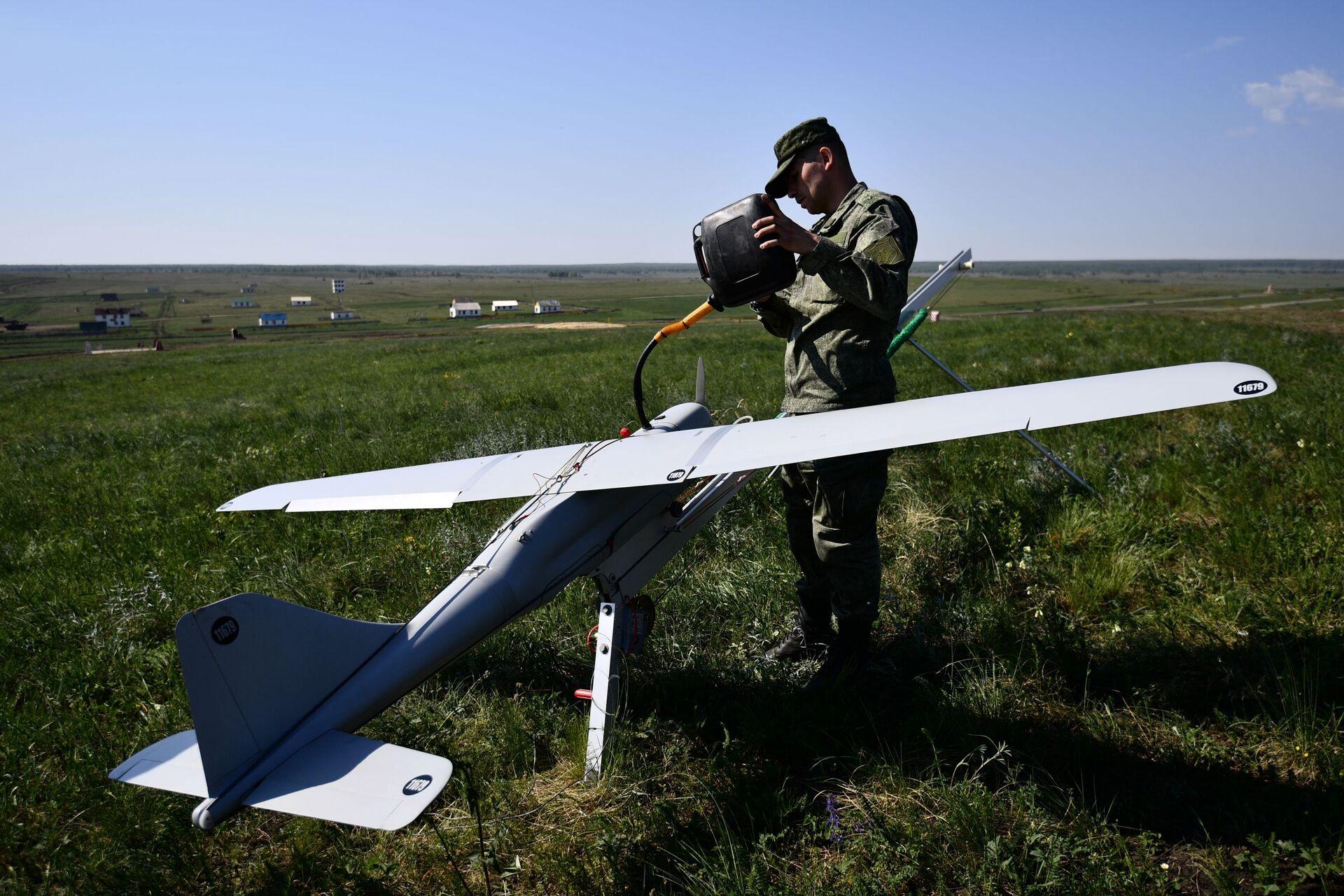 An Orlan-10 surveillance drone at a firing range in Chelyabinsk region, Russia. - Sputnik International, 1920, 07.09.2021