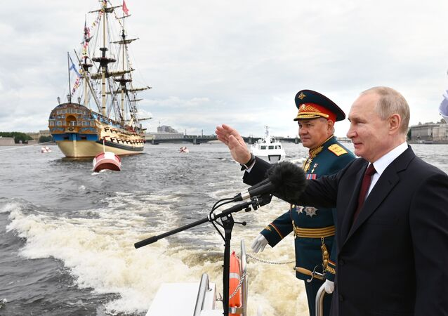 President Vladimir Putin attends the parade in St. Petersburg on the 325th anniversary of the Russian Navy, 25 July 2021