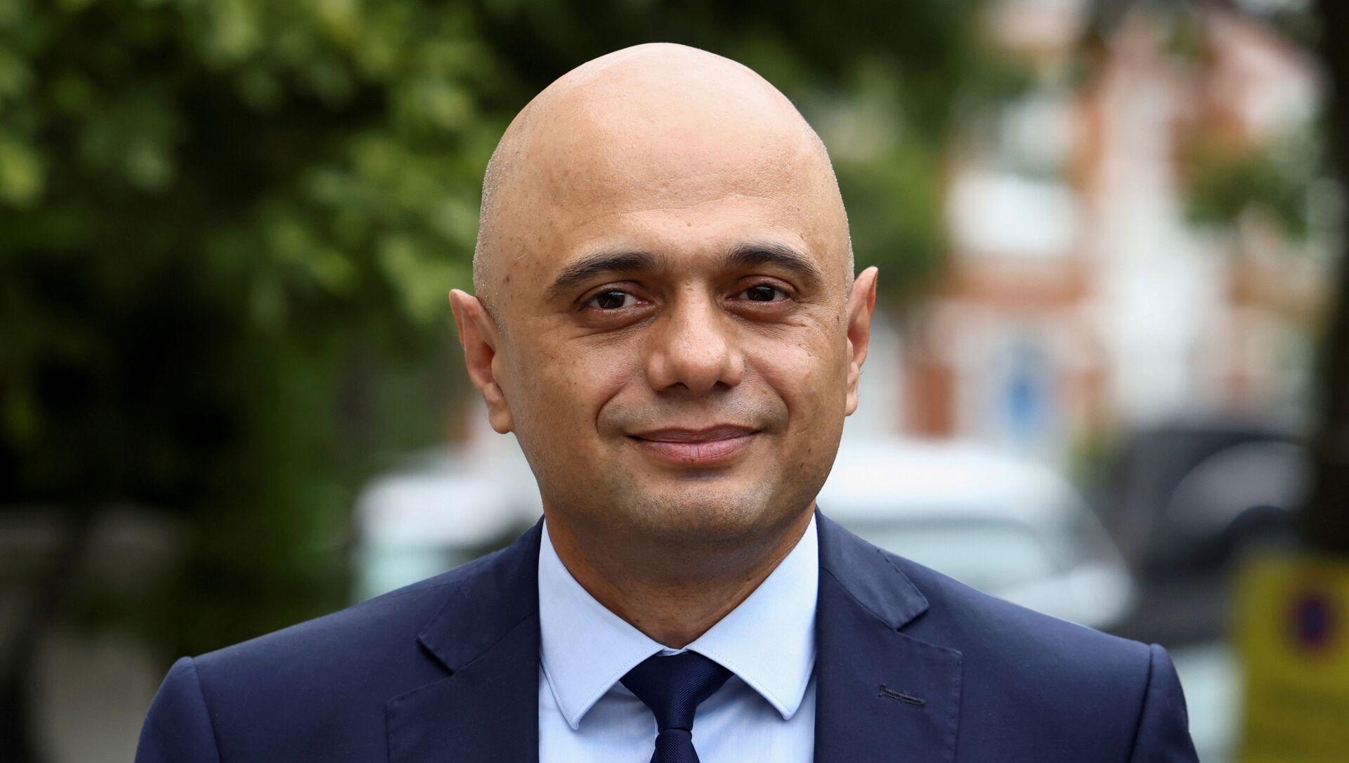 Britain's new Health Secretary Sajid Javid walks outside his home in London, Britain June 27, 2021. - Sputnik International, 1920, 25.07.2021