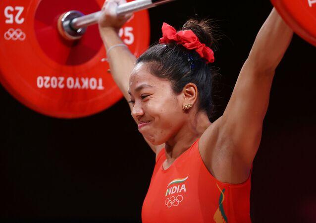Mirabai Chanu Saikhom of India in action