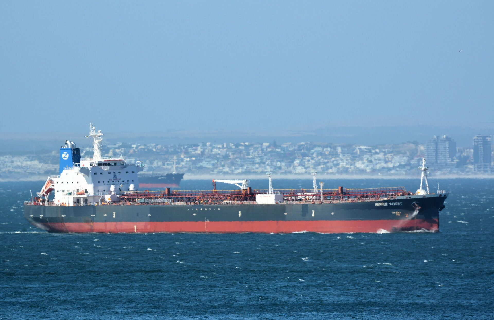 The Mercer Street, a Japanese-owned Liberian-flagged tanker managed by Israeli-owned Zodiac Maritime that was attacked off Oman coast as seen in Cape Town, South Africa, December 31, 2015  in this picture obtained from ship tracker website, MarineTraffic.com. Picture taken December 31, 2015.  Johan Victor/Handout via REUTERS THIS IMAGE HAS BEEN SUPPLIED BY A THIRD PARTY. MANDATORY CREDIT. NO RESALES. NO ARCHIVES. - Sputnik International, 1920, 07.09.2021