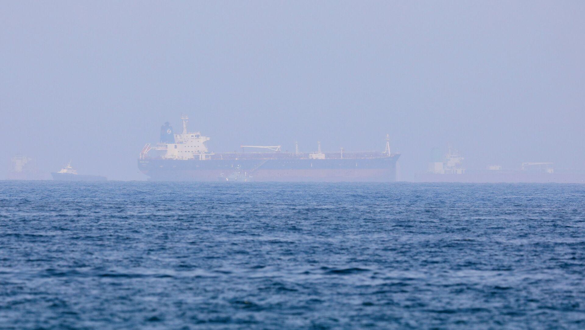 Mercer Street, an Israeli-managed oil tanker that was attacked is seen off Fujairah Port in United Arab Emirates, August 3, 2021. REUTERS/Rula Rouhana - Sputnik International, 1920, 03.08.2021