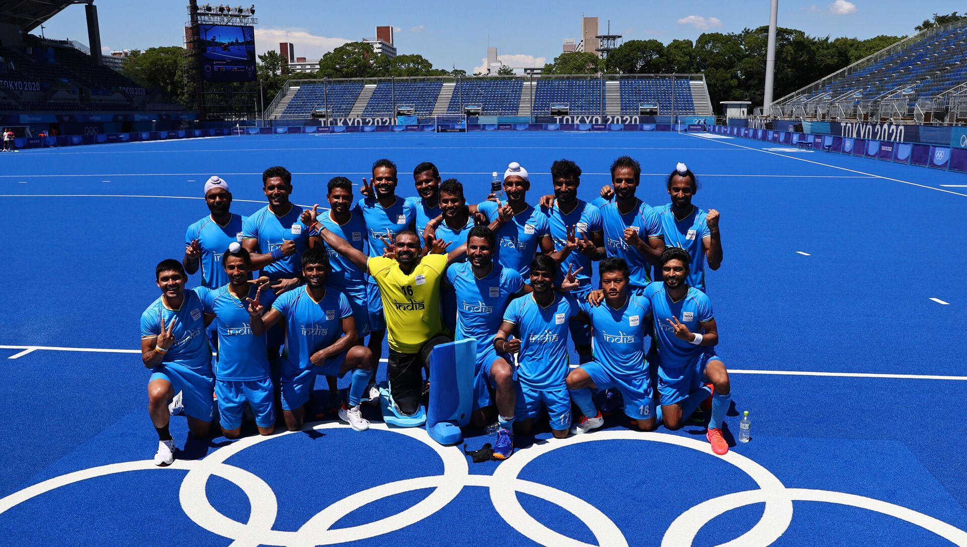 Tokyo 2020 Olympics - Hockey - Men - Bronze medal match - Germany v India - Oi Hockey Stadium, Tokyo, Japan - August 5, 2021. Players of India pose for a group photo after winning the match for bronze.  - Sputnik International, 1920, 05.08.2021