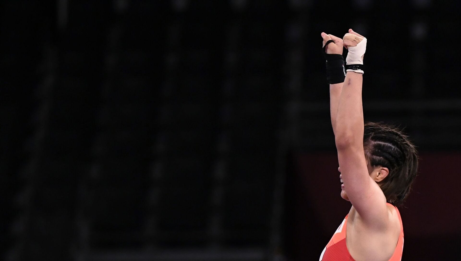 Risako Kawai of Japan celebrates after winning gold against Iryna Kurachkina of Belarus. - Sputnik International, 1920, 05.08.2021