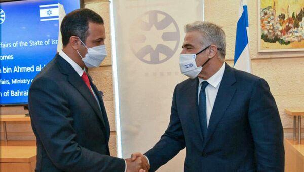 FM Lapid with Sheikh Abdulla bin Ahmed bin Abdulla Al Khalifa at the MFA in Jerusalem - Sputnik International