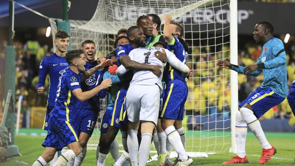 Chelsea's goalkeeper Kepa Arrizabalaga celebrates with team mates after the penalty shootout of the UEFA Super Cup soccer match between Chelsea and Villarreal at Windsor Park in Belfast, Northern Ireland, Wednesday, Aug. 11, 2021 - Sputnik International