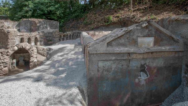 The tomb of Marcus Venerius Secundio is pictured in this undated photo obtained August, 17, 2021, in Pompeii, Italy. - Sputnik International