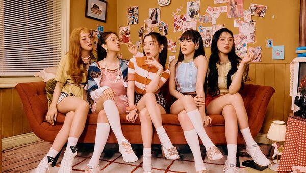 Red Velvet Drops 'Queendom' in Latest MV and Tops iTunes Charts - Sputnik International