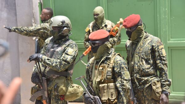 The Guinean Special Forces arrive at the Palace of the People in Conakry on September 6, 2021, ahead of a meeting with the Ministers of the Ex-President of Guinea, Alpha Conde.  - Sputnik International
