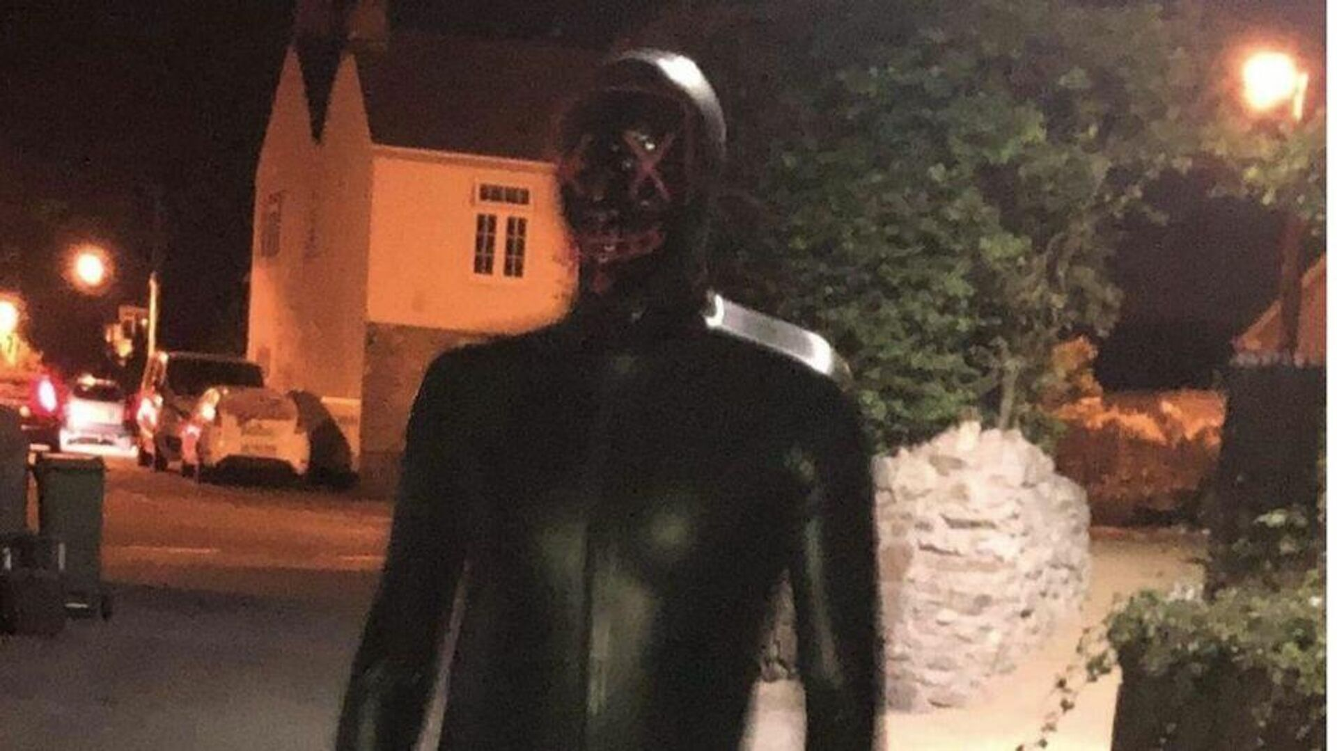 An alleged photo of a gimp man who stalked residents of West Country, UK at nights taken in 2019. - Sputnik International, 1920, 12.09.2021