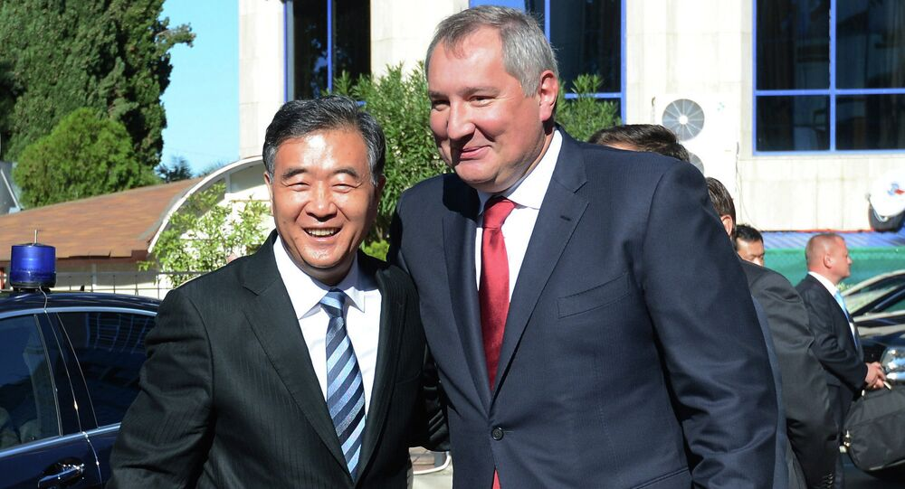 During a meeting with Russia's Deputy Prime Minister Dmitry Rogozin Saturday, China's Vice Premier Wang Yang stated that the West was wrong in imposing economic sanctions against Russia.