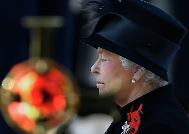 Queen Elizabeth II at the Remembrance Service, The Cenotaph, Whitehall, London, Britain - 09 Nov 2013