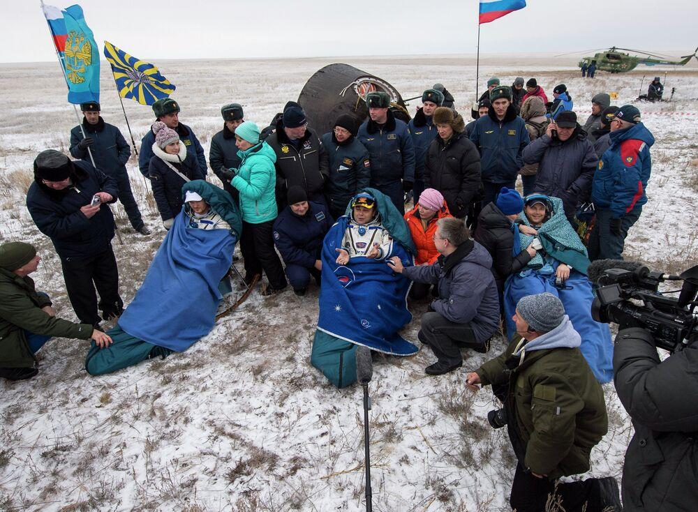 Expedition 41 Soyuz TMA-13M Landing