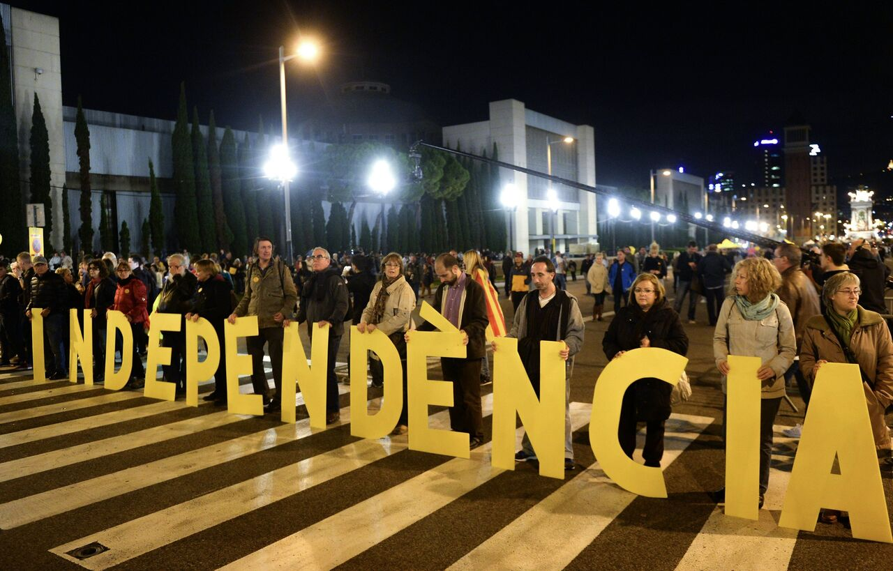 Symbolic Vote on Catalan Independence in Pictures