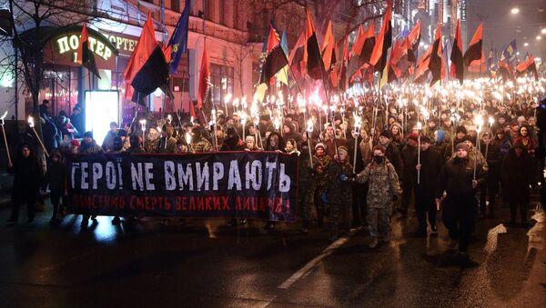 Torch procession in Kiev commemorating Stepan Bandera, leader of the Organization of Ukrainian Nationalists, January 1, 2015. - Sputnik International