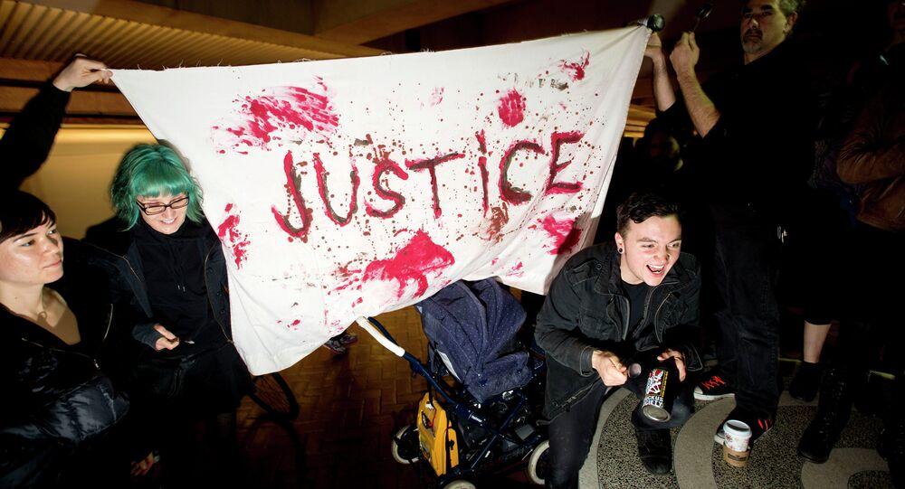 Oakland Area Protesters Shut Down Federal Building, Cause Train Delays