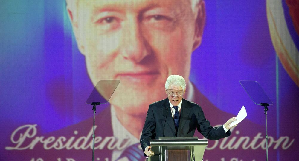 Bill Clinton receives the Salute to Greatness Award in January, 2015.