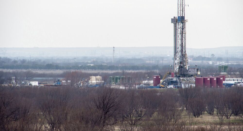 Water quality and quantity has not been affected by hundreds of fracking wells in and around Ponder, Texas, but residents complain of air quality from fracking operations, the town's Director of Public Works Gary Morris told Sputnik