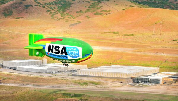 The environmental group Greenpeace flew an airship over the National Security Agency's UTAH Data Center in Bluffdale to protest the government's mass surveillance program. - Sputnik International