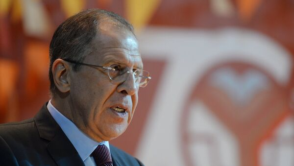 Sergei Lavrov said Kiev forces and independence fighters in southeastern Ukraine must follow through with the ceasefire agreement reached in Minsk - Sputnik International