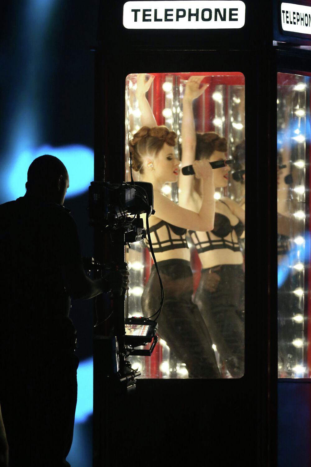 Singer Kayza speaks at the ceremony of MTV Europe Music Awards - 2014