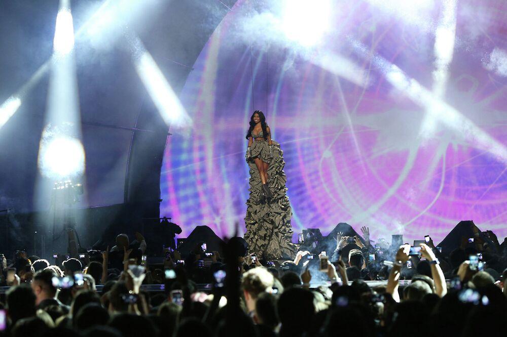 Nicki Minaj at the ceremony of MTV Europe Music Awards - 2014