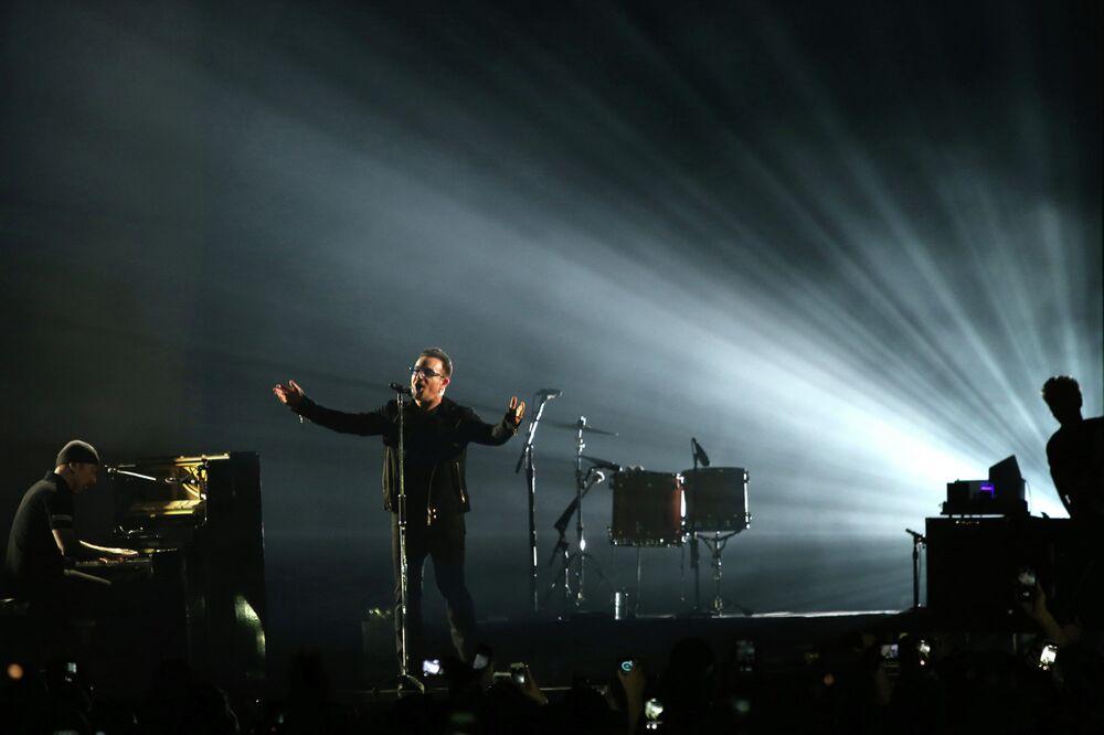 Singer Bono at the ceremony of MTV Europe Music Awards - 2014