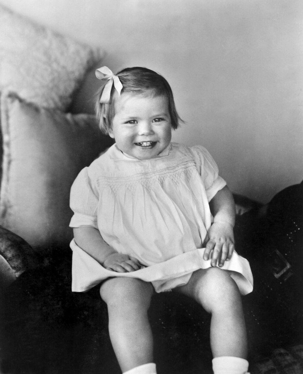 Грейс Келли в возрасте 18 месяцев