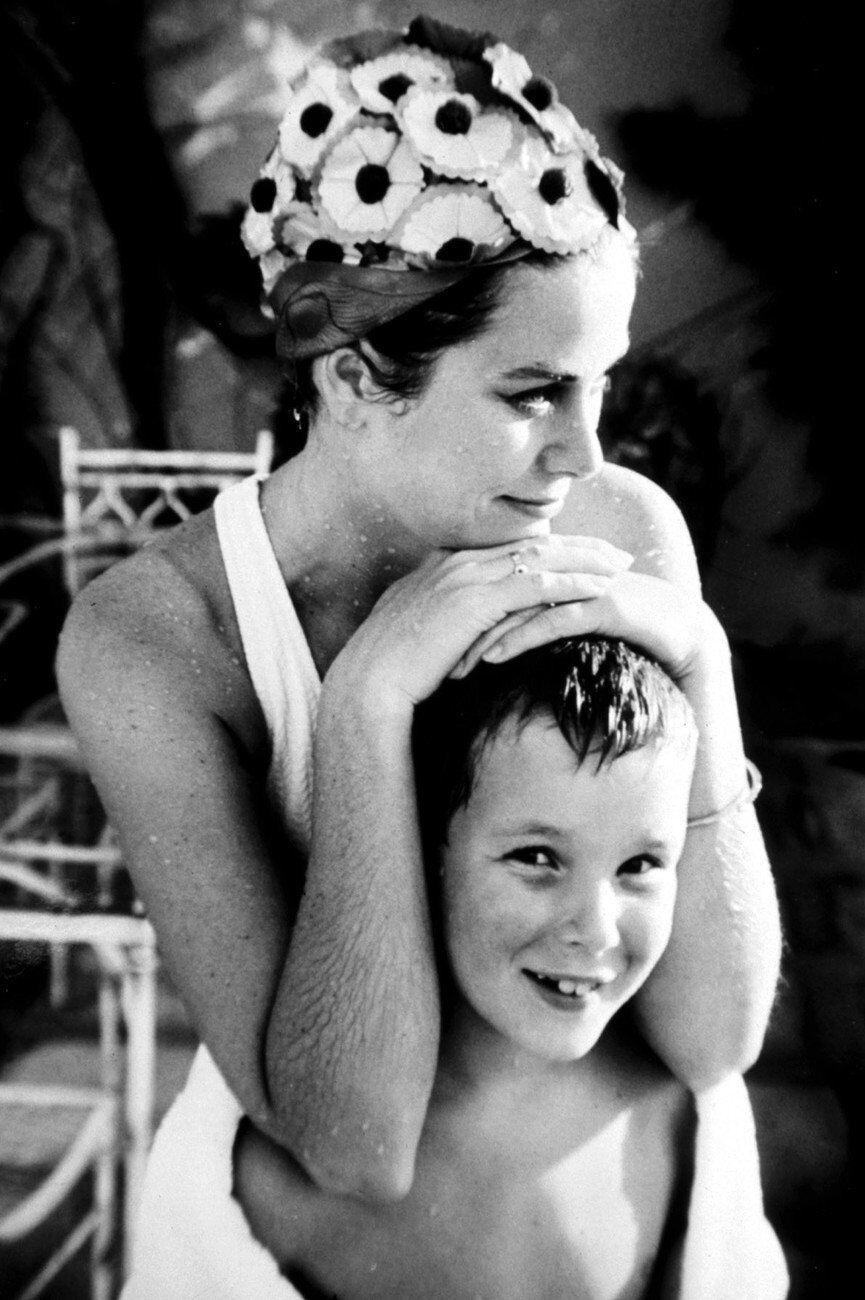 Принцесса Грейс Келли с сыном принцем Альбертом