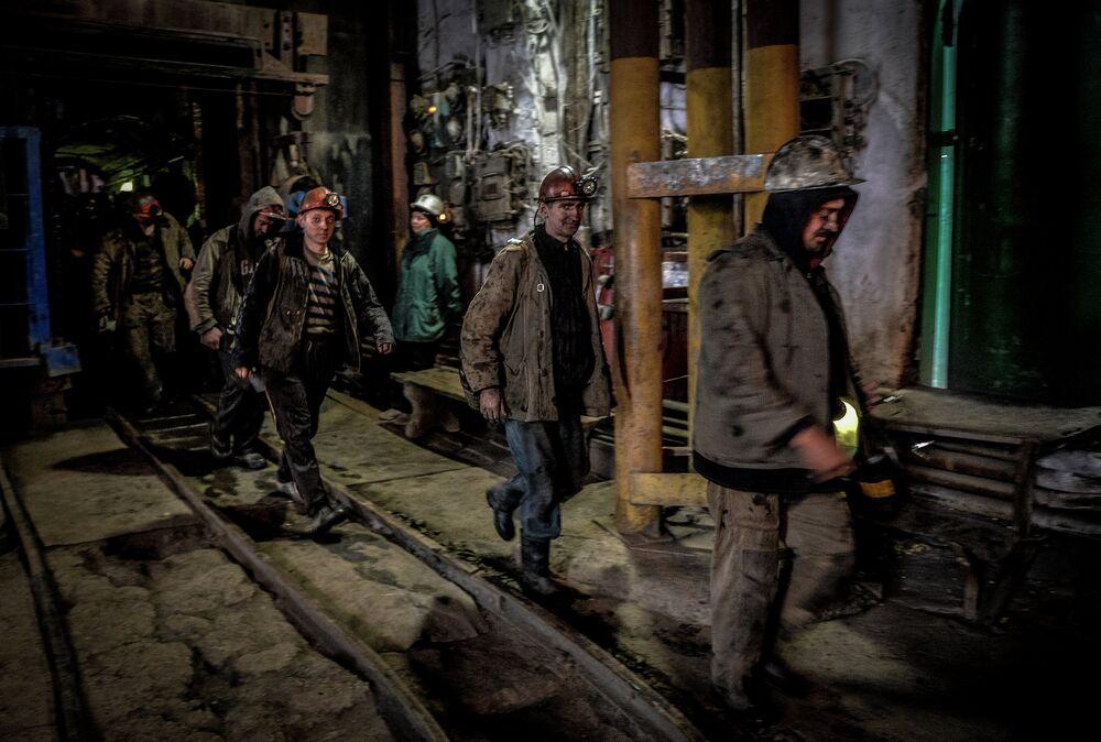 Miners leaving the Chelyuskintsev mine in Donetsk