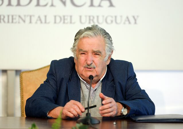 Uruguay's President Jose Mujica speaks during a joint news conference with Chile's President Michelle Bachelet