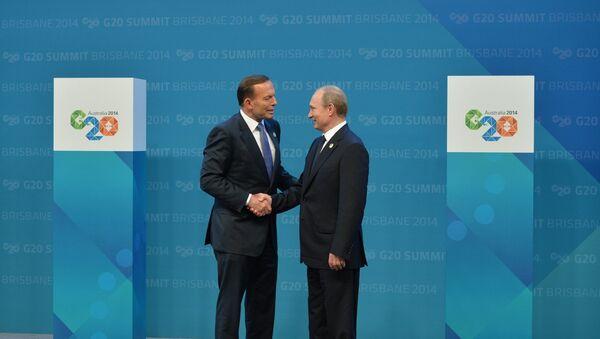 Russian President Vladimir Putin, right, and Australian Prime Minister Tony Abbott before the G-20 summit held at the Brisbane Convention and Exhibition Centre in Australia November 15, 2014. - Sputnik International