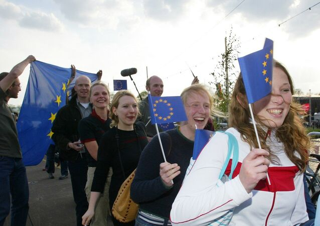 Youth from various European countries carry EU flags