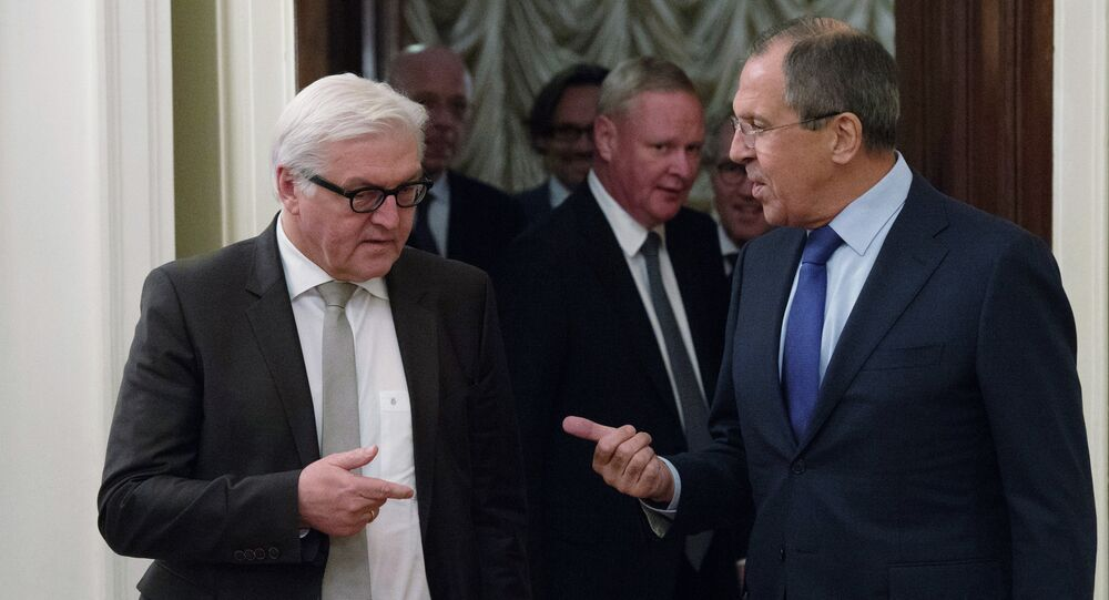 German Foreign Minister Frank-Walter Steinmeier (left) and Foreign Minister Sergei Lavrov meet in Moscow.
