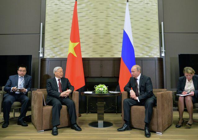 Vladimir Putin meets with Nguyen Phu Trong