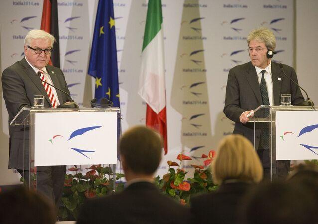 Frank-Walter Steinmeier, left, and Paolo Gentiloni