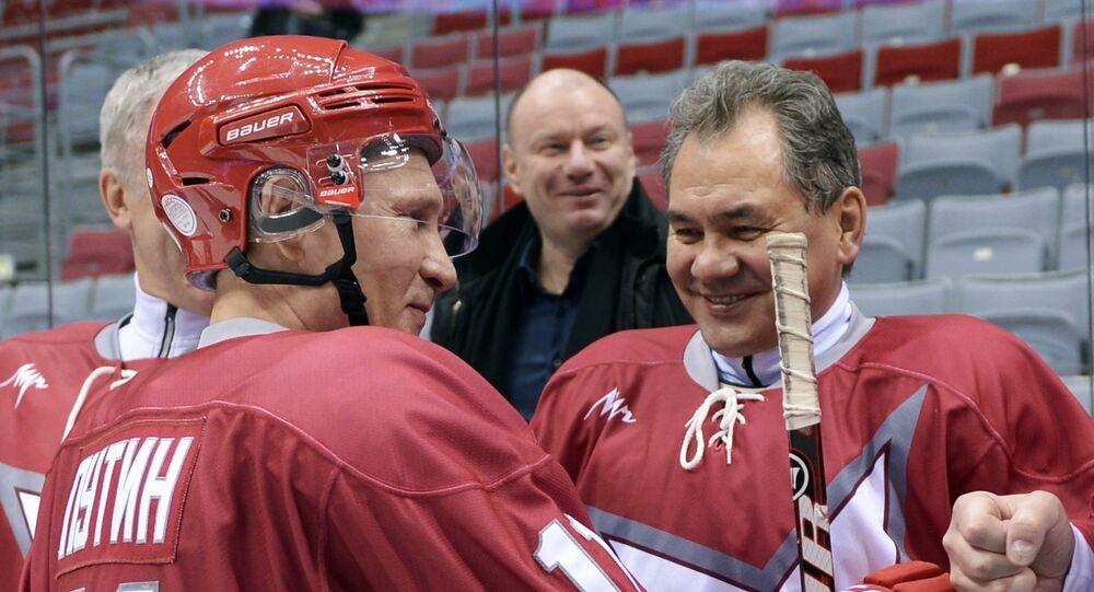 Vladimir Putin takes part in friendly hockey match