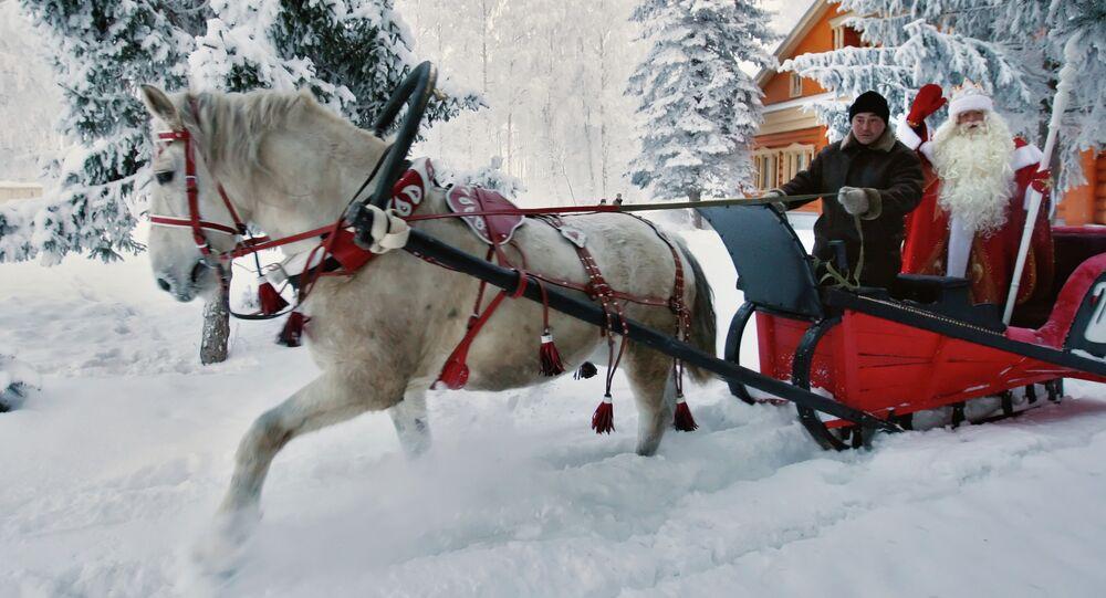 Главный Дед Мороз России из Великого Устюга едет на санях