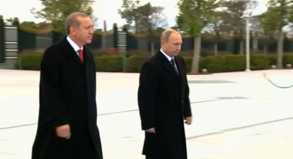 Putin Welcomed by Turkish President Recep Erdogan at Ankara Airport